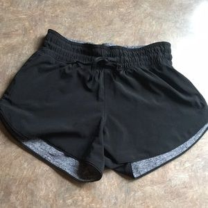 Lululemon Choose a Side Short Size 2